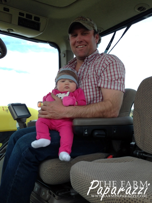Ella Goes to Work | The Farm Paparazzi